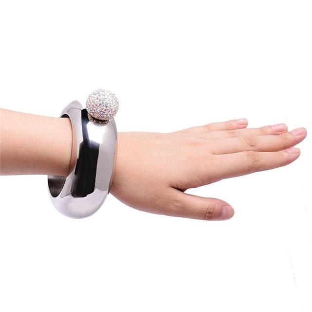 Crystal Bracelet Design Flask