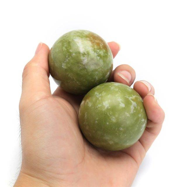 Natural Jade Stone Massage Balls 2 pcs Set