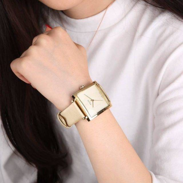 Shimmering Leather Square Women's Watches